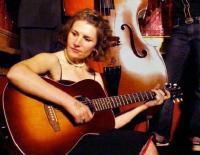 Emily Bonn &t Vivants